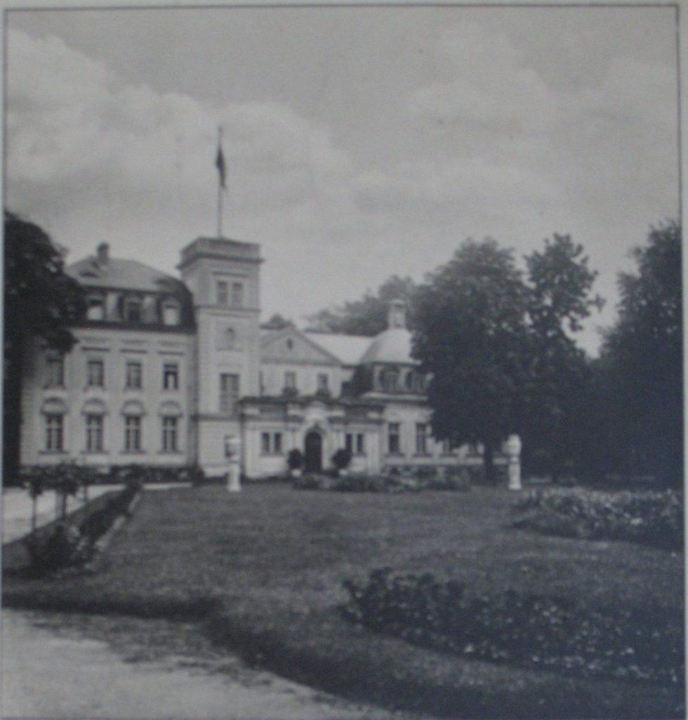 Estate Carlshagen, Potsdam, around 1930.