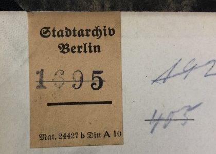 Provenienzrecherchen zur Dienstbibliothek des Landesarchivs Berlin